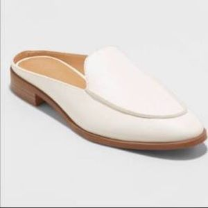 UNIVERSAL THREAD White Leather Look Boho  Mules 6